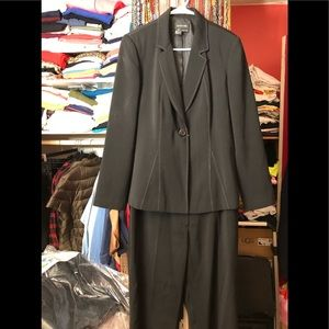 FOCUS 2000 Black Pants Suit